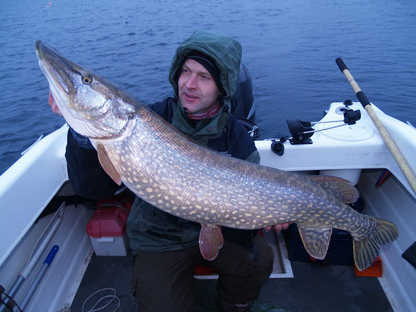 David Lundqvist med en stor gädda
