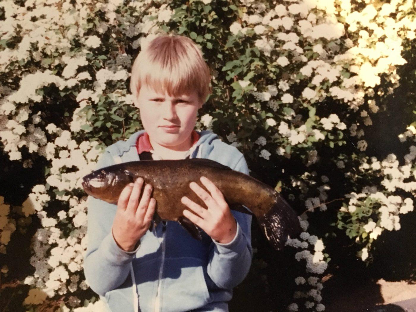 Mikael Svensson som ung med sutare