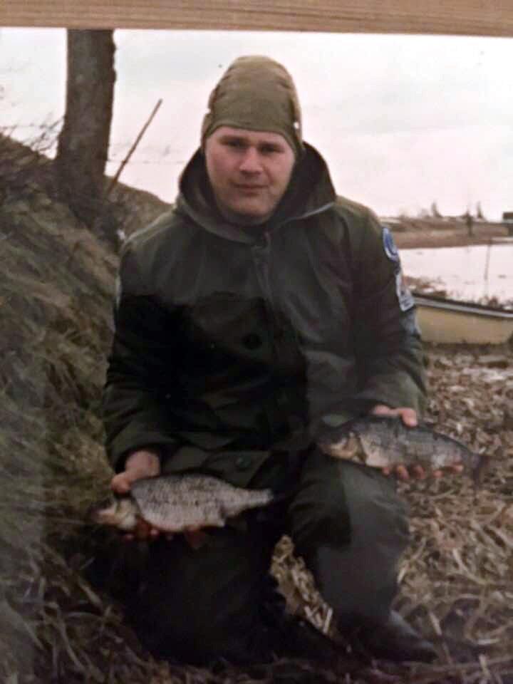 Mikael Svensson med snygg mössa och fiskar