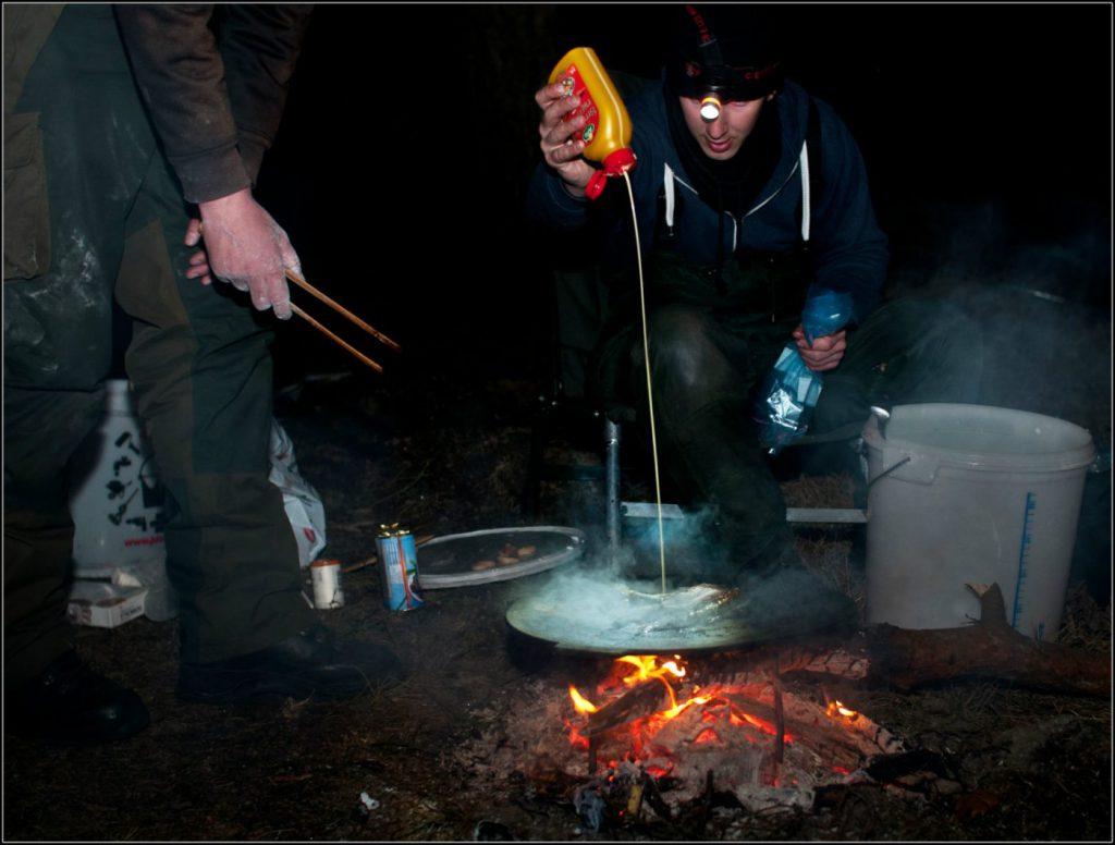 Att vistas ute i naturen, laga mat och umgås är viktigt.