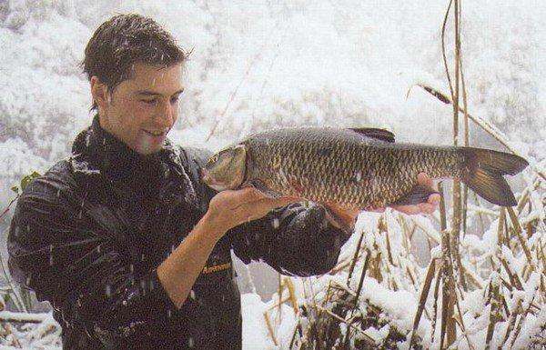 Mathias Nemback med en fantastisk färna på 3255 gram i snöoväder!