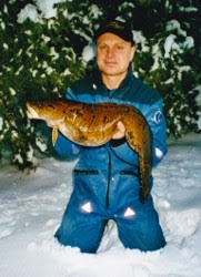 Johan Wajkert med en stor lake