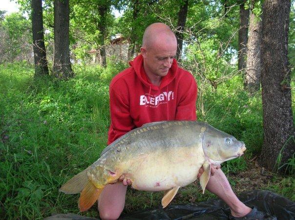 Peter Nilsson med en grov karp på över 24 kg!