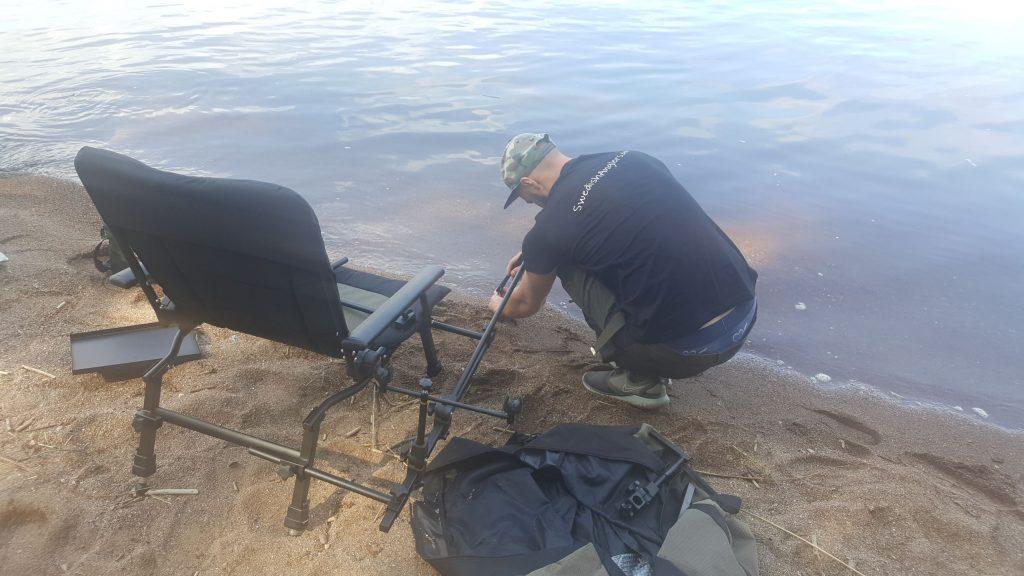 Roos bygger stol