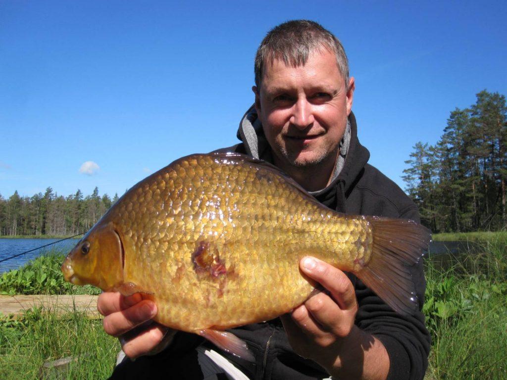Ulf Noreman med en Ruda 2046 g från Ursjön
