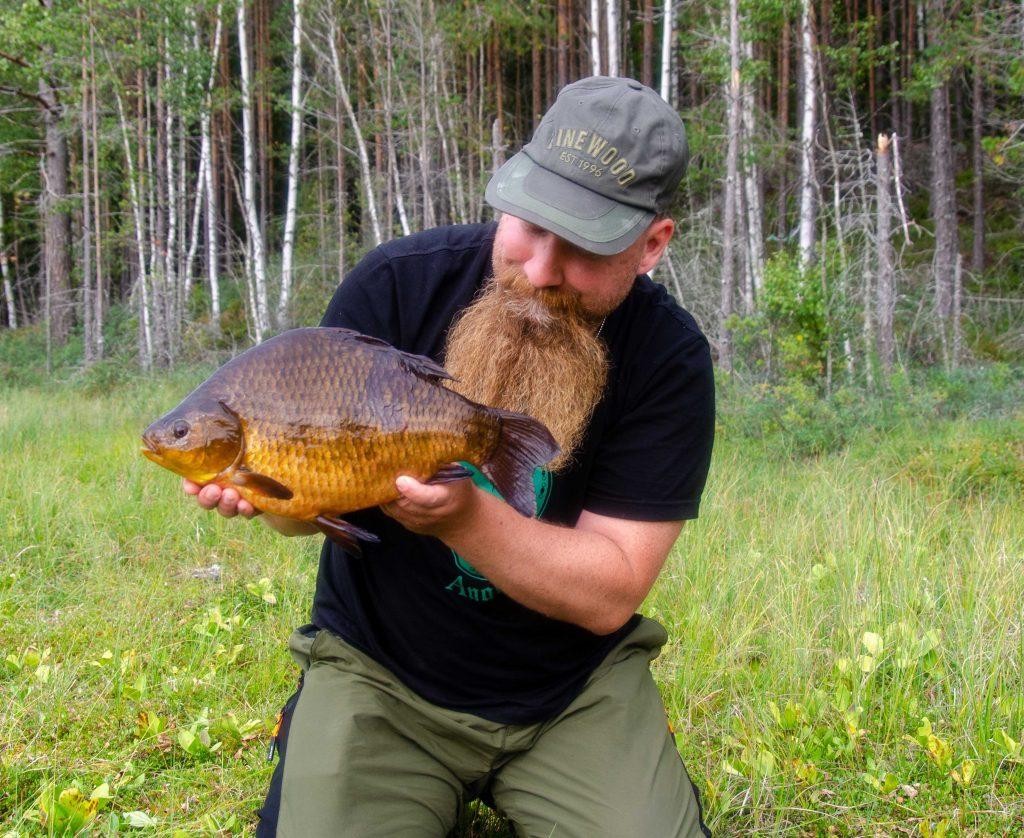 Martin Bengtsson med en fin ruda på 2050 gram från Södra i Ursjön