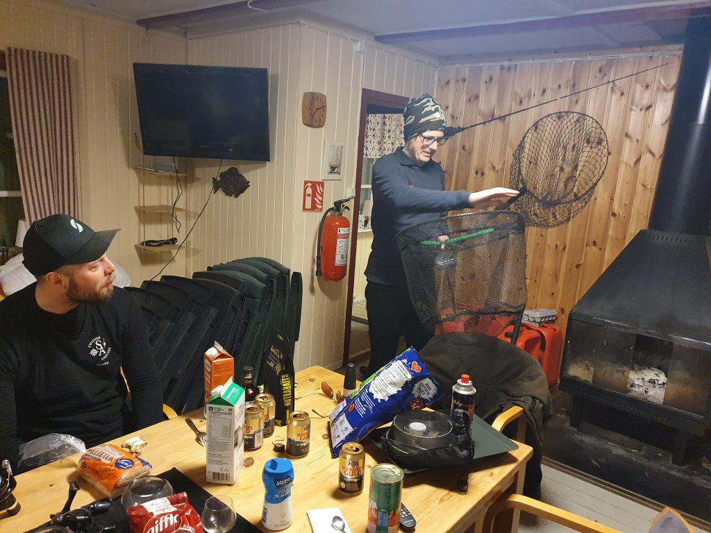 Tombas Krönika Maj 2021 - Grabbarna snackar fiske...