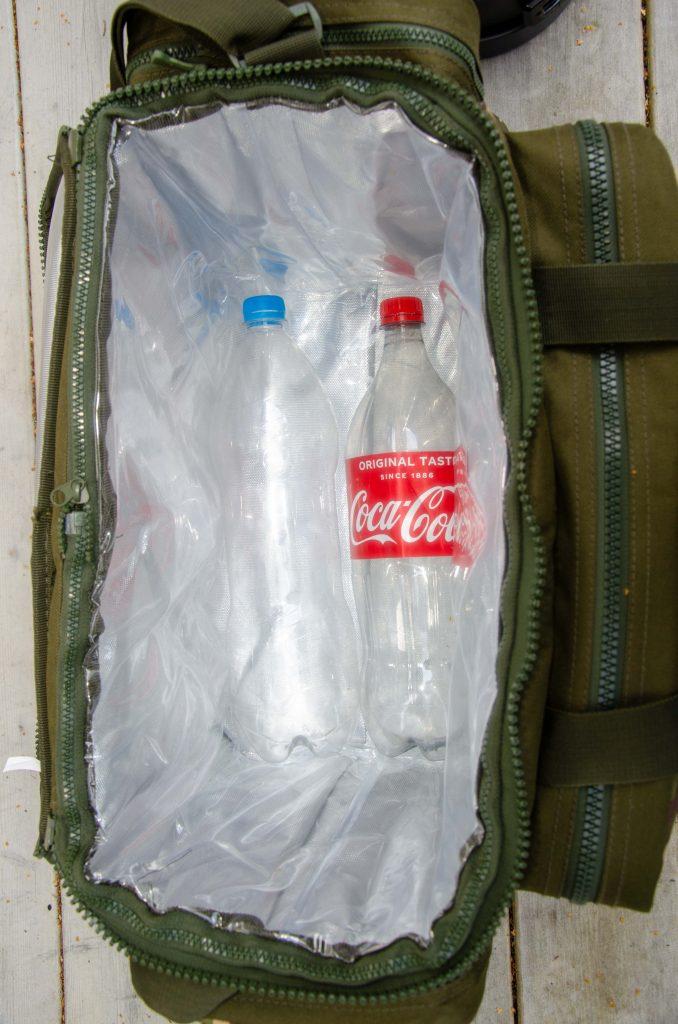 Inga problem att få ned 2 st 1,5 liters pet flaskor i botten